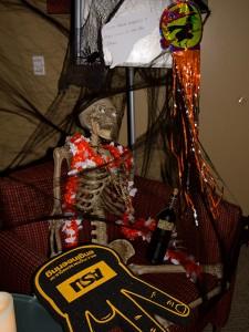 Halloween-2013-Decorating-EDO-6844w