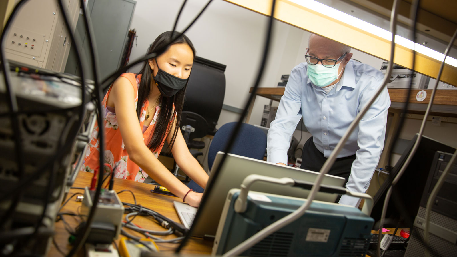 FURI Mentor David Allee works with his FURI student Kylie Welch